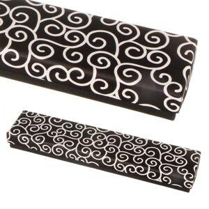 Krabička na řetízek - černá s bílými ornamenty
