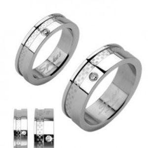 Snubní prsteny z chirurgické oceli se zirkonem a pruhem s matnou šachovnicí B2.9