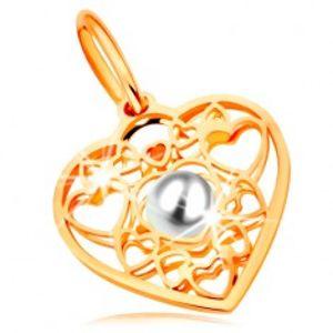 Přívěsek ve žlutém zlatě 585 - srdce zdobené obrysy srdíček a bílou perlou uprostřed GG167.08
