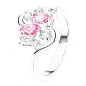 Prsten stříbrné barvy se zvlněnými rameny, růžové a čiré zirkony R40.12
