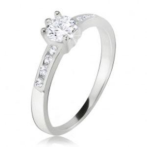 Prsten, okrouhlý čirý kamínek, malé zirkony v ramenech, ze stříbra 925 J12.2