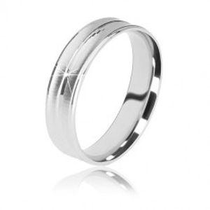 Stříbrný prsten 925 - dva matné zářezy a jeden lesklý proužek uprostřed, 5 mm BB10.12