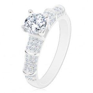 Stříbrný 925 prsten, třpytivá ramena, vyvýšený kulatý zirkon čiré barvy J16.05
