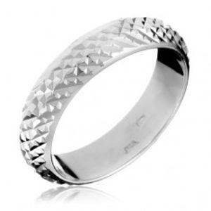 Stříbrný prsten 925 - vystouplé lesklé pyramidky H12.11