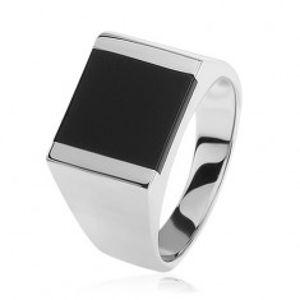 Stříbrný prsten 925, zrcadlově lesklá ramena, čtverec s černou glazurou S82.13