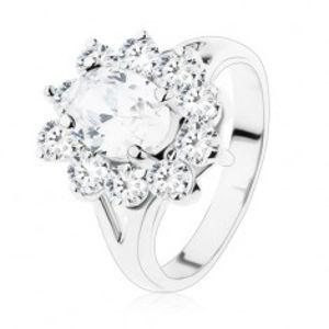 Třpytivý prsten ve stříbrné barvě, rozdvojená ramena a čiré zirkony V05.03
