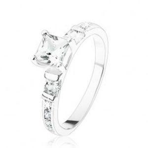 Zásnubní prsten ze stříbra 925, čtvercové čiré zirkonky, čirá zirkonová linie SP81.04