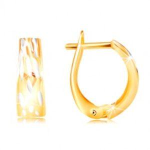 Zlaté náušnice 585 - rozšířený oblouk se svislými dvoubarevnými zářezy GG217.32